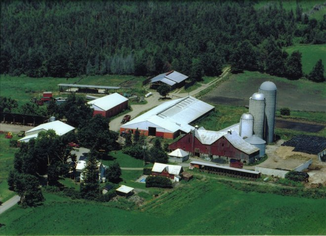 Aerial_view_of_farm